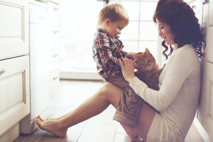 Быть матерью - это как работать на нескольких работах одновременно