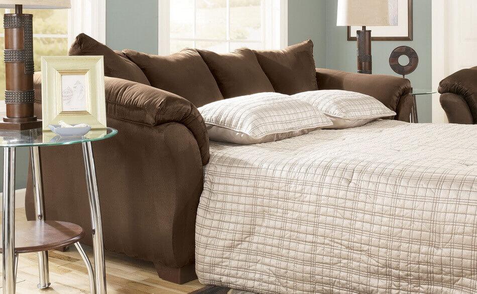 Диван-кровать для экономии пространства комнаты
