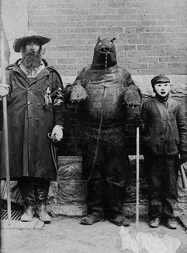 Страшные винтажные костюмы на Хэллоуин